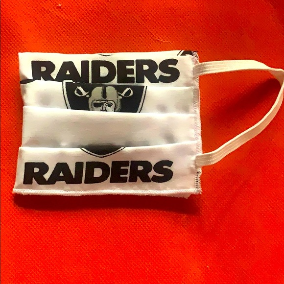 HANDMADE 2X PLEATED FABRIC FACE MASK - LA RAIDERS